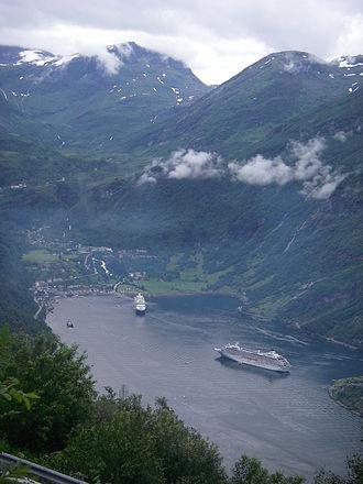 Stranda - Cruise ships at Geiranger
