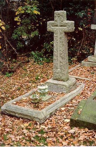 Leefe Robinson - William Leefe Robinson's grave at All Saints' Church Cemetery, Harrow Weald.