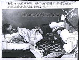 Valeriy Brumel - Image: Valeriy Brumel with wife 1965