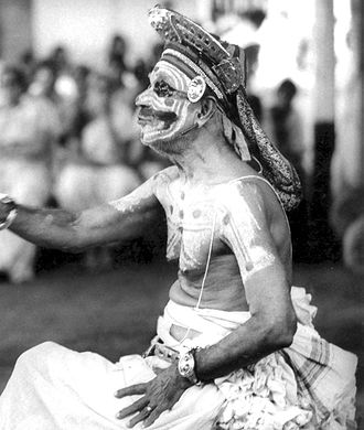 "Rajarajeshwara Temple - Guru Mani Madhava Chakyar performing Chakyar Koothu. He received the Vīrasringhala (1923) and the title ""Vidūshakaratna"" (1954) from Rajarajeshwara Temple for his excellence and scholarship."