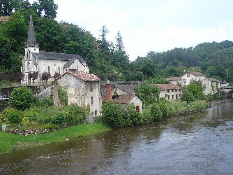 File vienne river and church pont de noblat haute vienne - Office de tourisme saint leonard de noblat ...