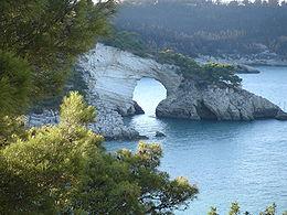 L'Arco di San Felice, curioso fenomeno di erosione marina