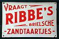 Vraagt RIBBEs Brielsche Zandtaartjes emaille reklamebord 2.JPG