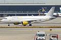 Vueling, EC-KLB, Airbus A320-214 (16455141271).jpg