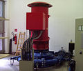 Wasserkraftwerk Österreich, Turbine mit Generator.jpg