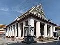 Wat Ratcha Orasaram วัดราชโอรสาราม 2019 22.jpg