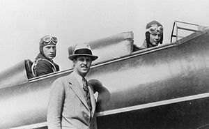 Fred Weick - 1927 – Weick in rear cockpit with Lindbergh in front