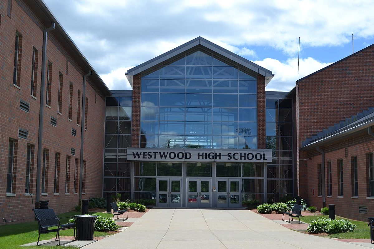 Stay up to date on the Westwood Wolverines high school sports teams. Get schedules, scores, stats, rosters, photos and video highlights on dirtyinstalzonevx6.gaon: Nahatan St, Westwood, , Massachusetts.