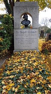 Grabstätte von August Schmidt (Quelle: Wikimedia)