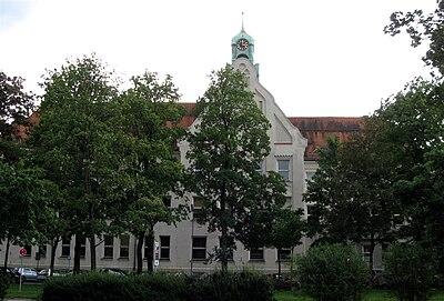 Wittelsbacher Gymnasium Muenchen-1.jpg