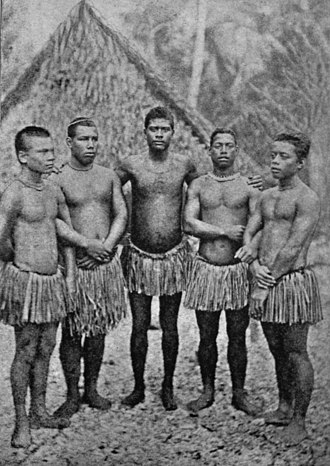 Grass skirt - Image: Young nauruan people