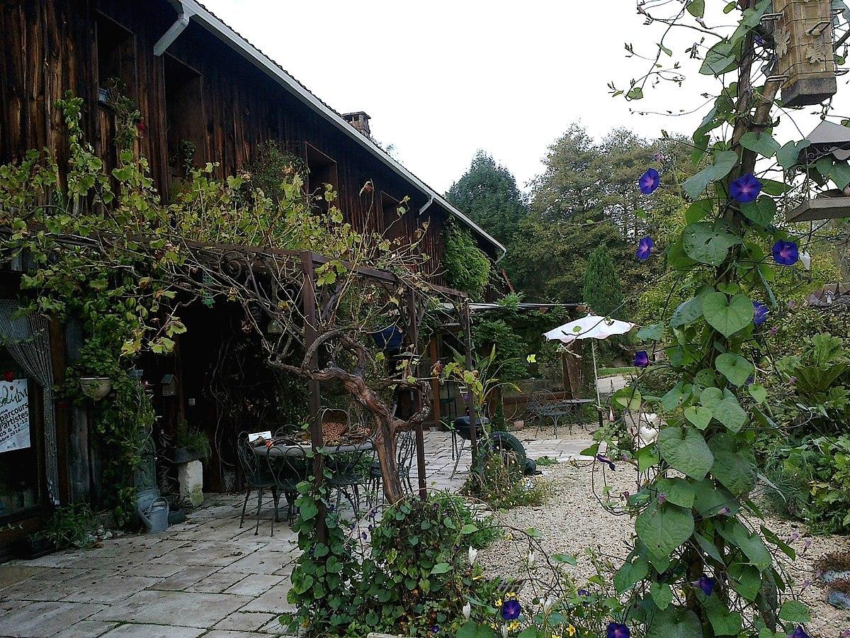 File Yvelines Chevreuse Atelier Jardin Panoramio Jpg Wikimedia