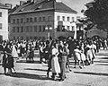 Zabawa na rynku na Mariensztacie 1949.jpg
