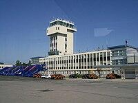Zagreb Airpoirt tower.jpg