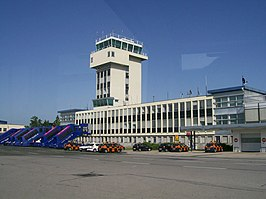 Zagreb Airpoirt tower.jpg