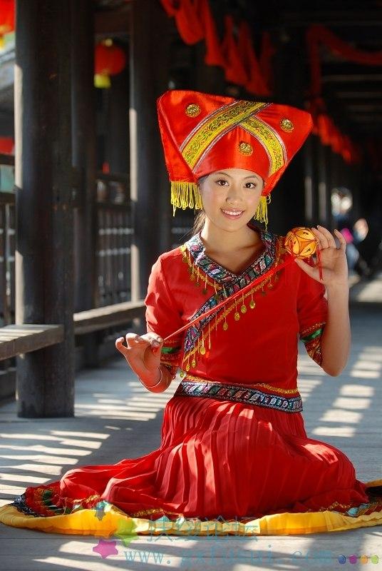Zhuang's beautiful maiden in Chongzuo Fusui