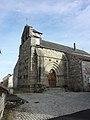 Église Saint-Avit de Saint-Avit (Puy-de-Dôme), portail et façade.jpg