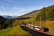ÖBB 4024-076 nahe dem Bahnhof Matrei, Brennerbahn, 01.11.2016.jpg