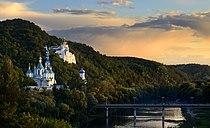 Вид на Миколаївську церкву та міст.jpg