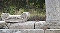 Никополис ад Иструм Античният град капители.jpg