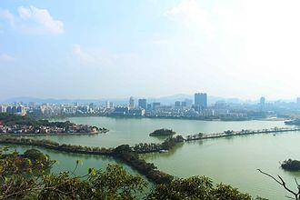 Zhaoqing - Image: 七星岩往市区方向远眺