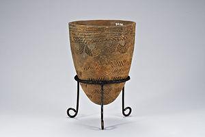 Korean art - Comb-patterned pottery.