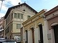045 Casa al c. Dalt de la Ciutadella, 14 (Santa Coloma de Gramenet), al fons Can Roig i Torres.jpg