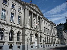 1908, École royale militaire, avenue de la Renaissance, 30, Bruxelles, par les architectes Henri Maquet et Henri van Dievoet