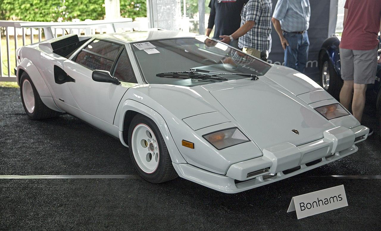 File:1986 Lamborghini Countach 5000 QV, Bianco Polo Park ...