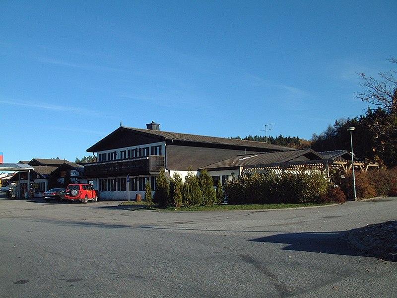 File:2003年 OKQ8加油站 哈比 Håby - panoramio (2).jpg