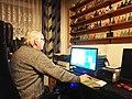 2019-02-09 Der Autor Hans-Peter Dabrowski (18) in seinem Arbeitszimmer in Hannover-Linden.jpg