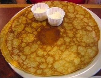 Crêpe - A plate of 49er flapjacks