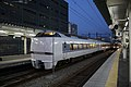 683 Thunderbird Toyama Station 20140701.jpg