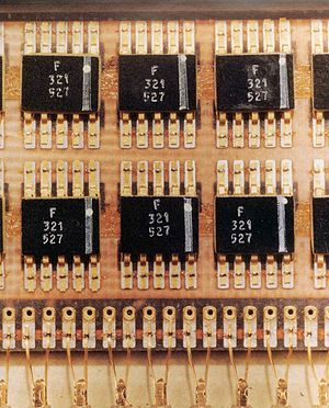Resistor–transistor logic - Flatpack RTL NOR gate integrated circuits in the Apollo guidance computer