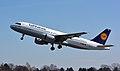 Airbus A320-200 (D-AIPW) 01.jpg