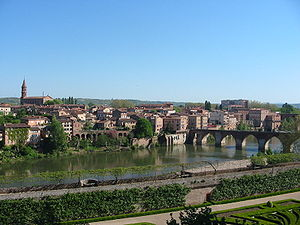 Tarn (department) - The old city of Albi and the Tarn river