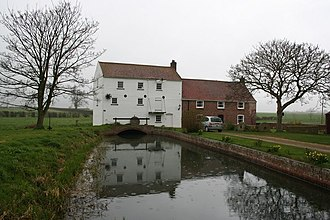 Alvingham - Image: Alvingham Mill geograph.org.uk 191462