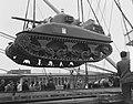 Amerikaanse tanks in Rotterdam aangekomen, Bestanddeelnr 904-8999.jpg