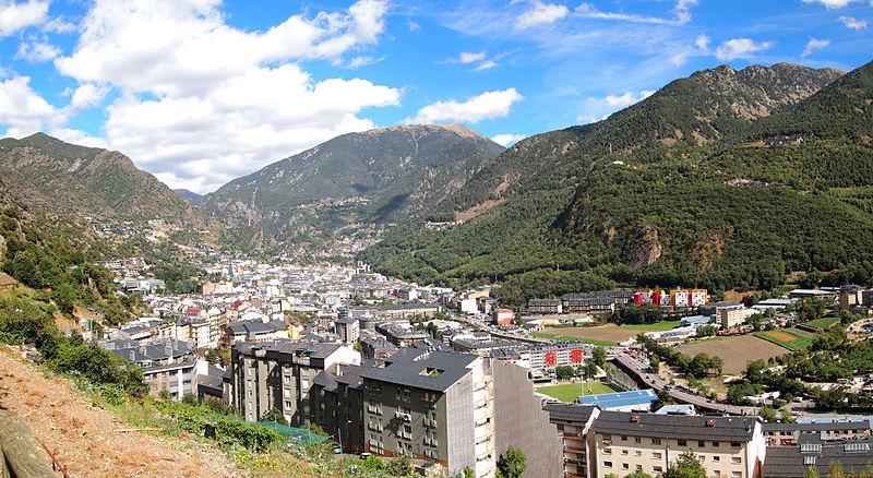 File:Andorra la Vella - view.jpg