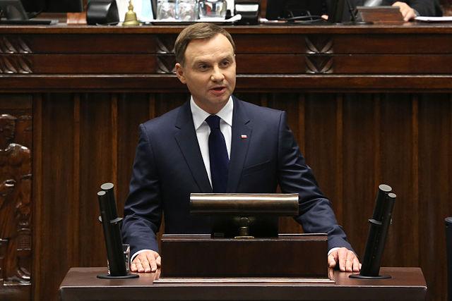 Президент Польши в Риге призвал к продолжению санкций в отношении России