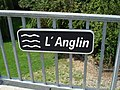 Anglin - Mérigny (36) - Panneau nom rivière.jpg