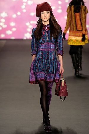 Du Juan - Du Juan walks the Anna Sui FW 2009 show.