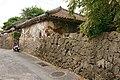 Aragaki house Tsuboya Naha02n3200.jpg