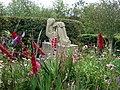 Artistic garden - geograph.org.uk - 538242.jpg