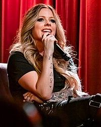 Avril Lavigne @ Grammy Museum 09 05 2019 (49311430057).jpg
