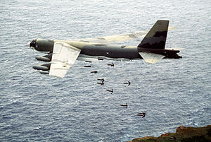 60th Expeditionary Reconnaissance Squadron - Image: B 52G dropping Mk 82 bombs 1984