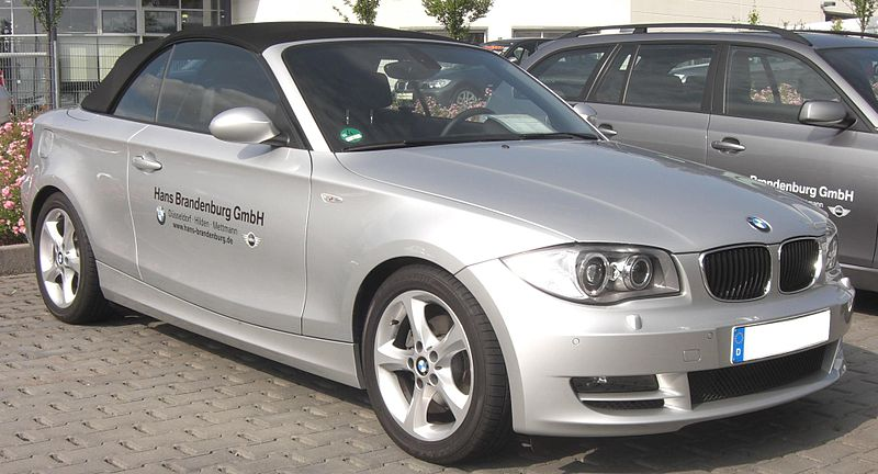 file bmw 1er cabrio front wikimedia commons. Black Bedroom Furniture Sets. Home Design Ideas