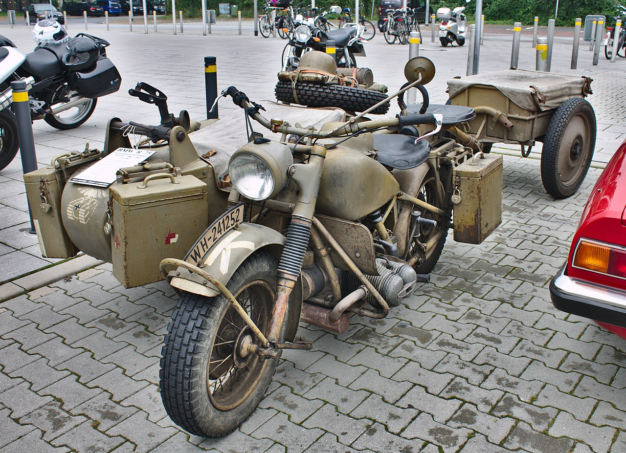 file bmw r 75 wehrmacht with sidecar trailer jpg wikimedia commons. Black Bedroom Furniture Sets. Home Design Ideas