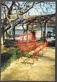 Banco de ferro nos jardins do Casulo (4754430735).jpg