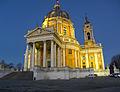 Basilica di Superga di notte.jpg